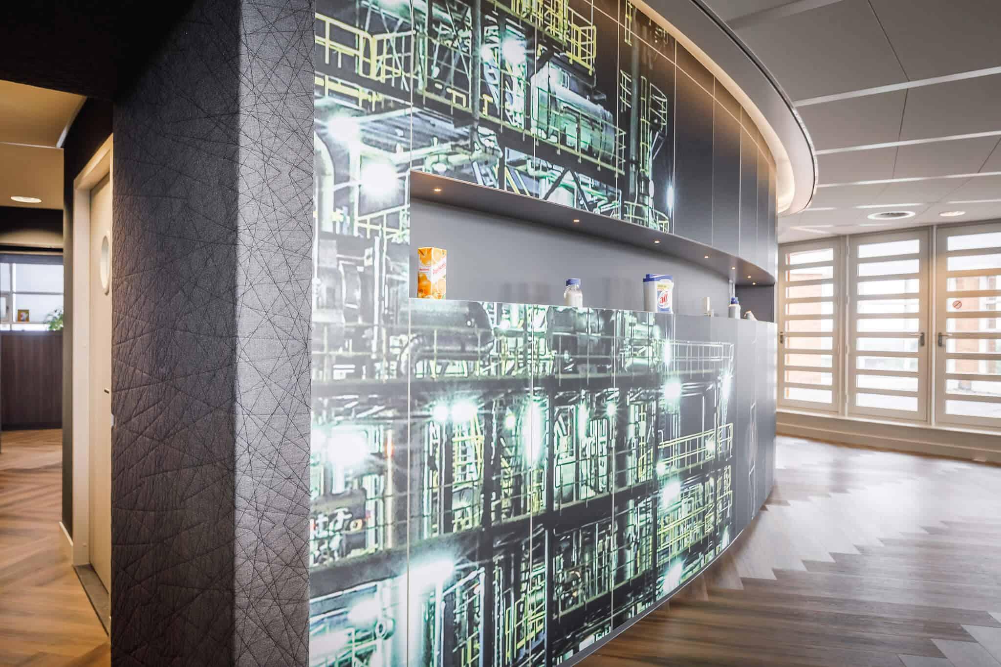 Wildenberg ontwerpt kantoor Delamine vergaderruimte indirecte verlichting wandprint