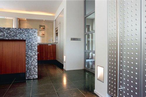 binnenhuisarchitect Stan van den Wildenberg ontwerpt villa in Amersfoort badkamer met keuken en Kreon inbouw armaturen