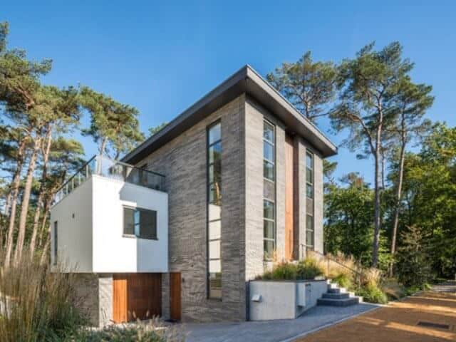 Stan van den Wildenberg ontwerpt bos villa vooraanzicht in linker hoek