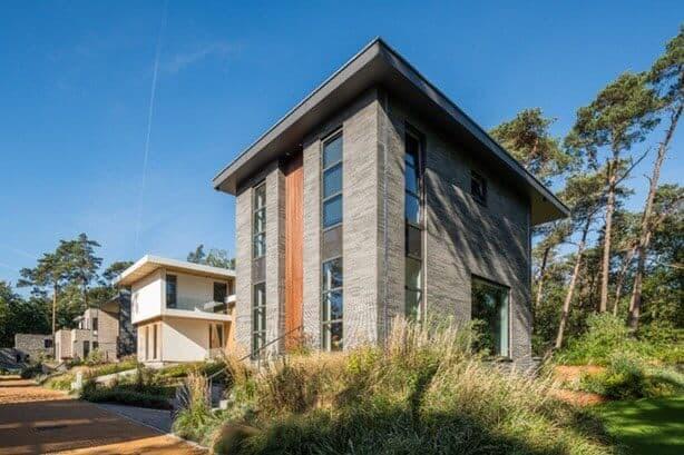 Stan van den Wildenberg ontwerpt bos villa vooraanzicht in rechter hoek