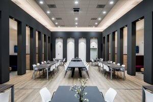interieur architect Stan van den Wildenberg ontwerpt garderobe kantoor Dimension Data Nederland in Amersfoort