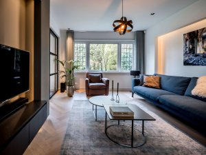 binnenhuisarchitect Wildenberg ontwerp woonkamer met dressoir en bank