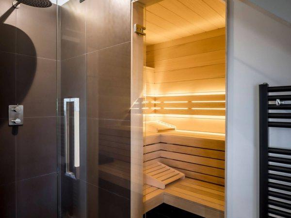 binnenhuisarchitect Wildenberg ontwerp zolder met slaapkamer sauna en wellness ruimte