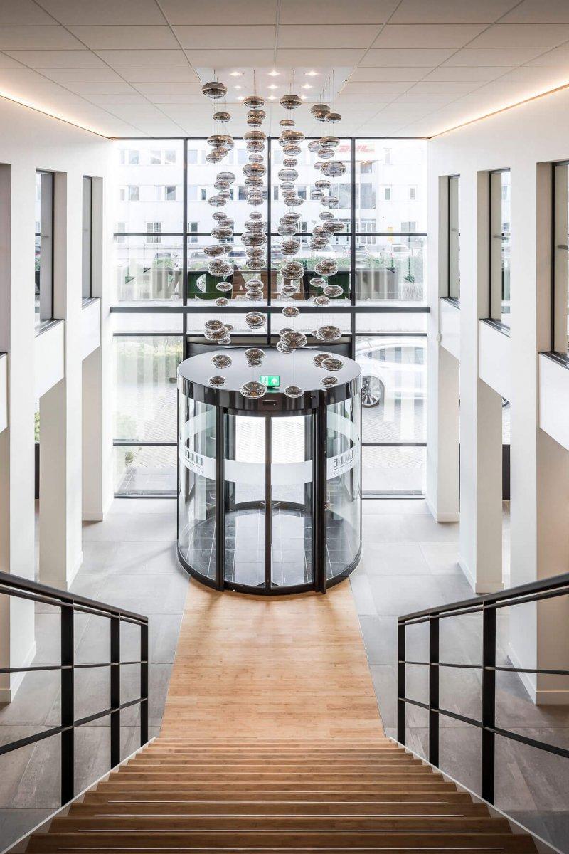 binnenhuisarchitect ontwerp kantoor hanglamp Maretti Dream systeemwand Planeffect interieurdesign Wildenberg