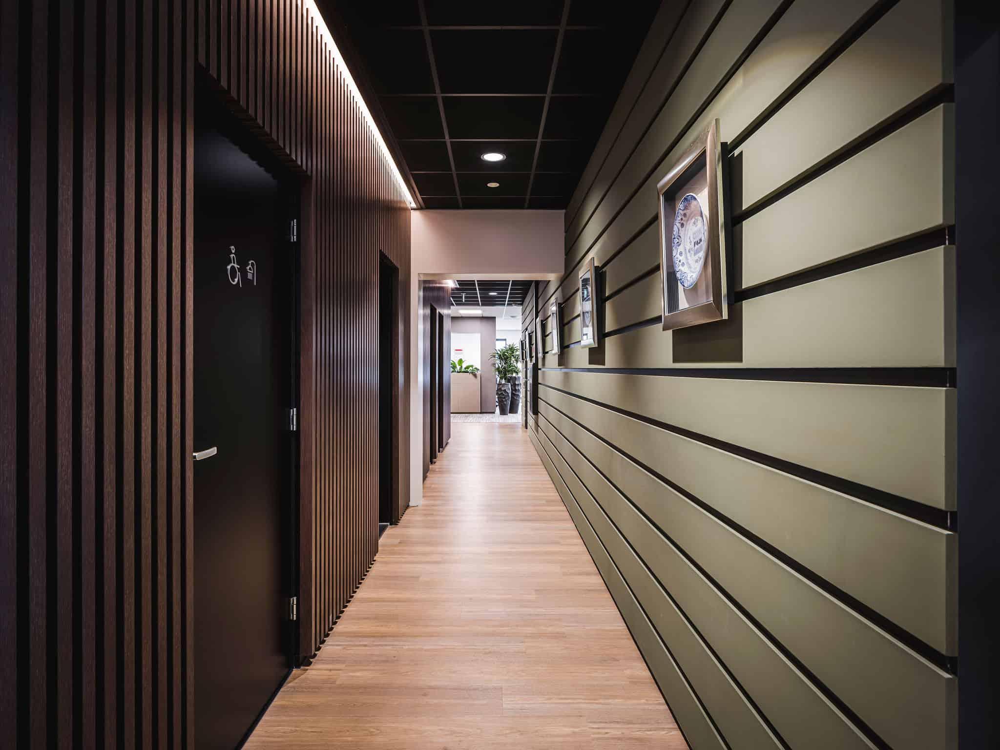 binnenhuisarchitect Wildenberg ontwerp COKZ verkeersruimte indirect licht fijri interieurbouw