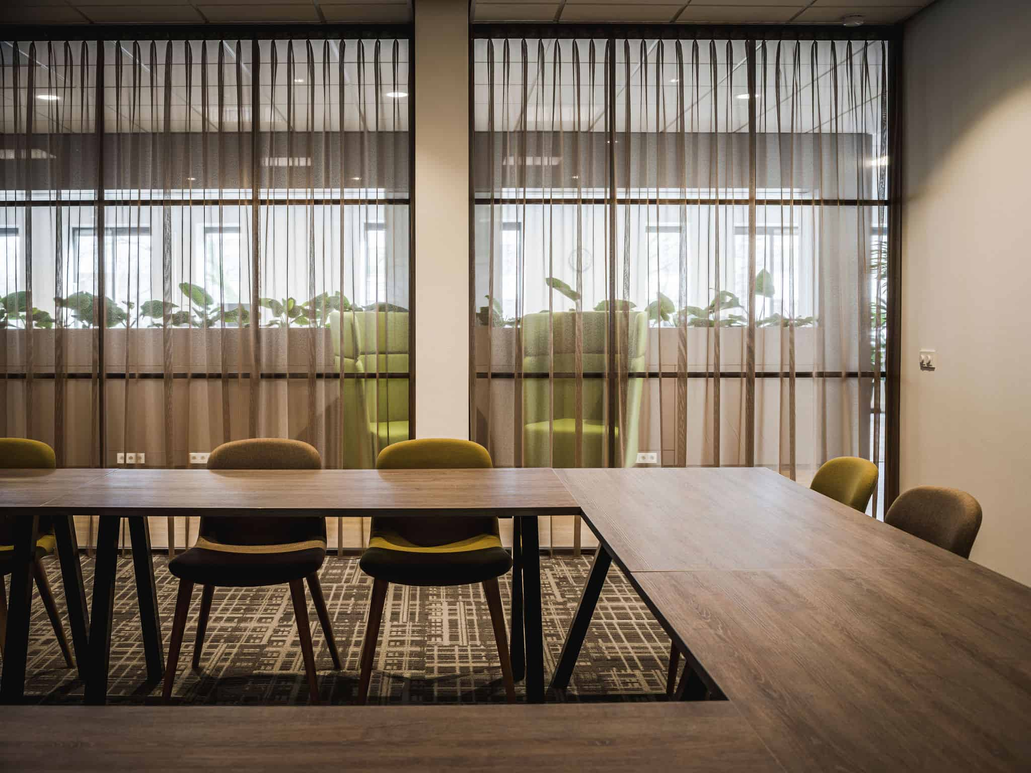 binnenhuisarchitect Wildenberg ontwerp kantoor COKZ vergaderruimte Forbo Planeffect Meinema