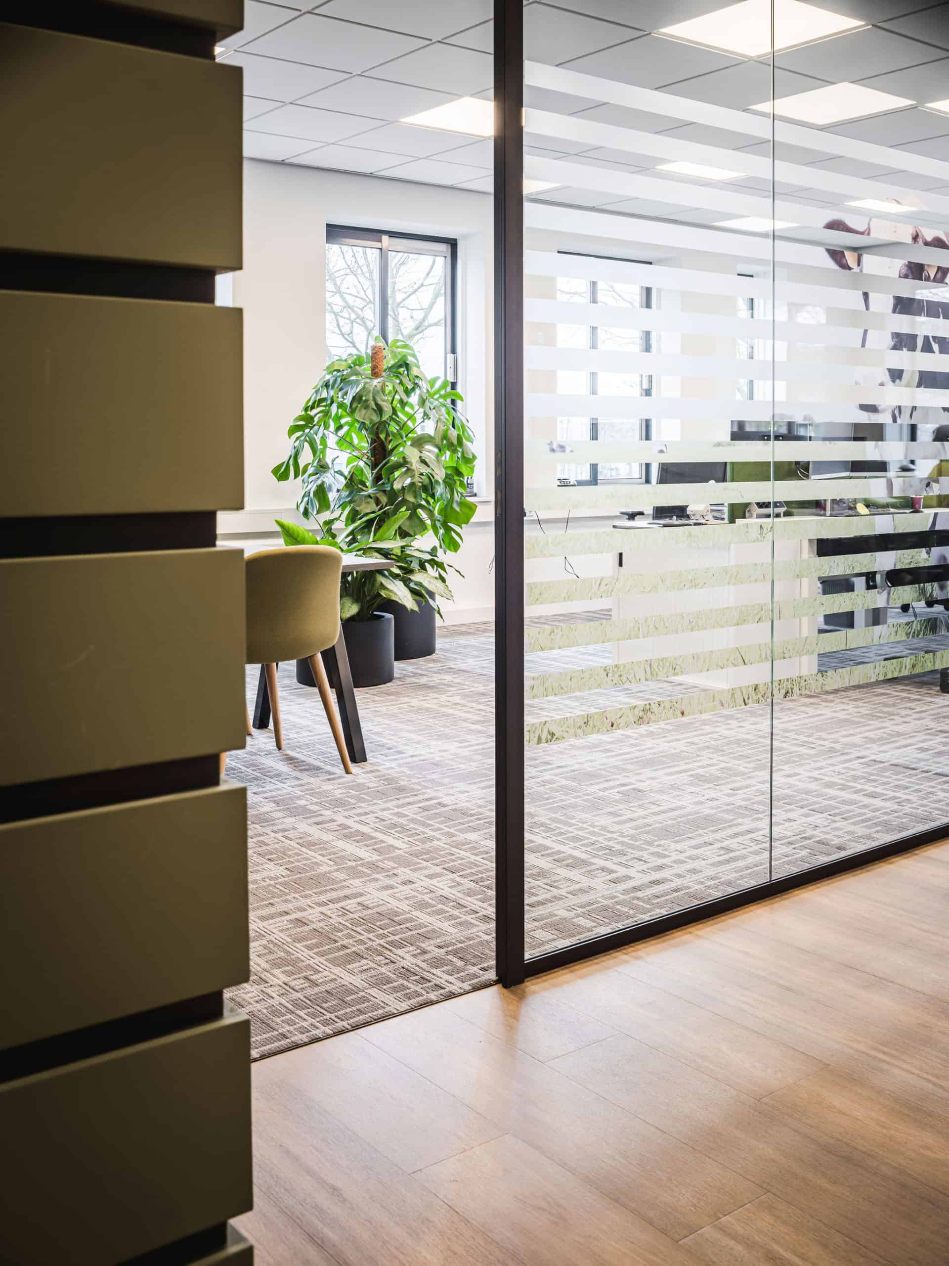 binnenhuisarchitect Wildenberg ontwerp kantoor COKZ PVC vloer Forbo Planeffect Meinema