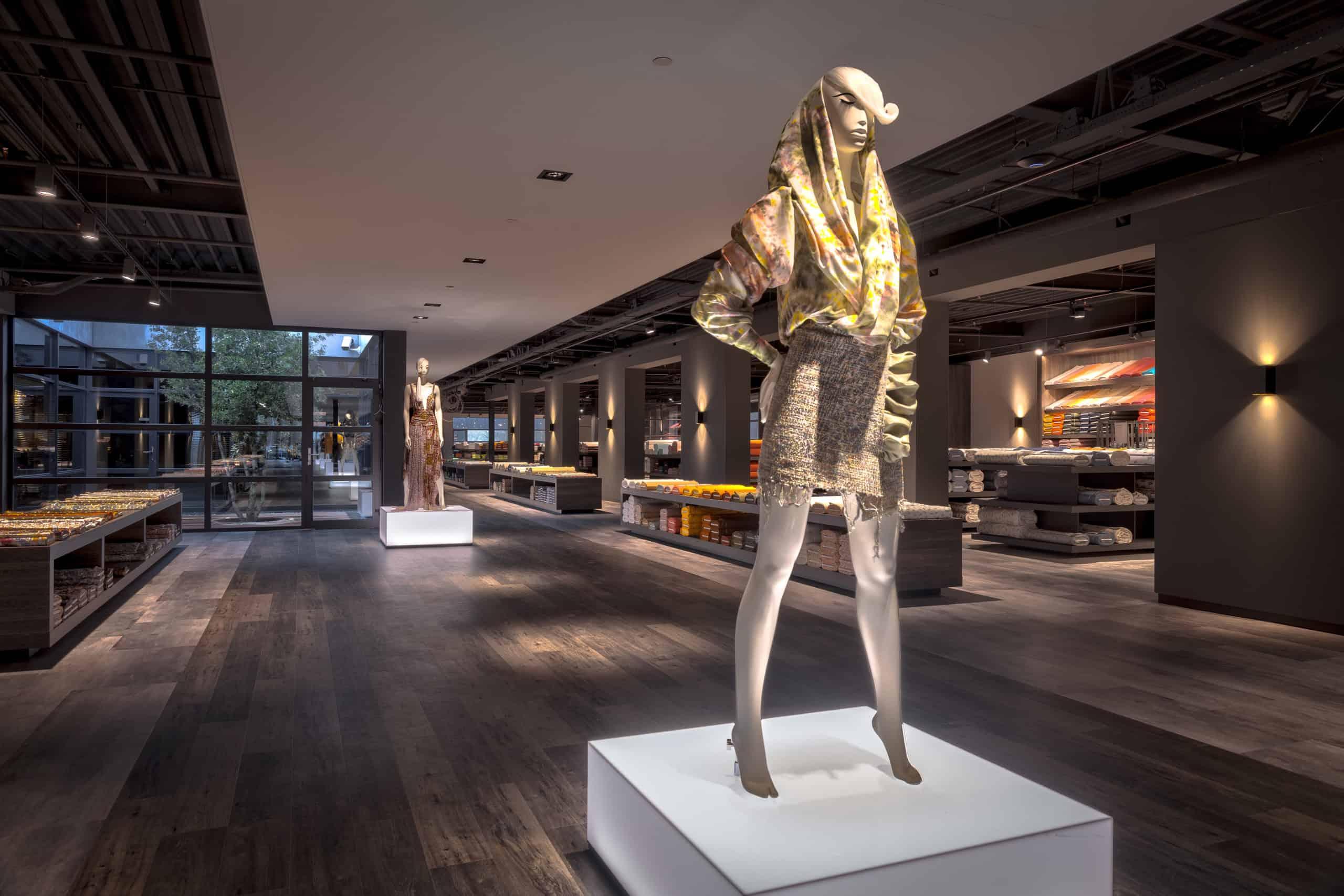 interieurarchitect Wildenberg ontwerp showroom Knipidee Almere figuren opbouwmateriaal licht wsb maretti iboma kerastone objectflor tarkett kopie