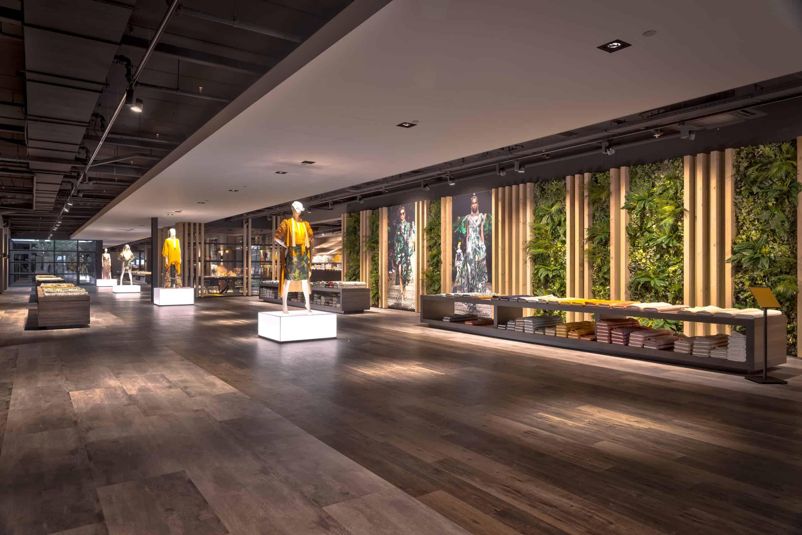 interieurarchitect Wildenberg ontwerp showroom Knipidee Almere plantwand wsb maretti iboma kerastone objectflor kopie